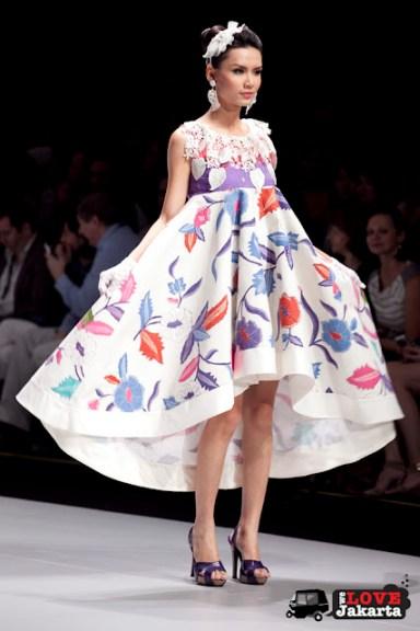 Elida Veronica Ginting_Batik in Wonderland_Indonesia Fashion Week 2013_JCC Senayan_Jakarta