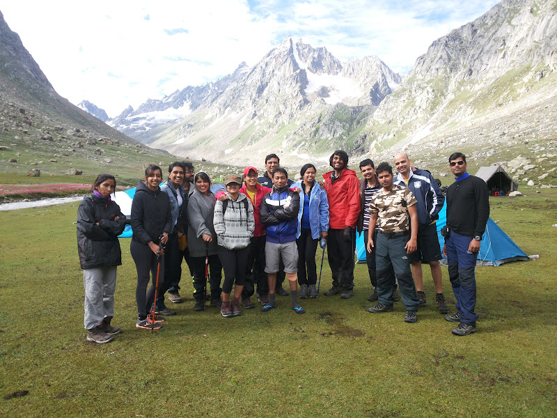 trekking team at sia goru hampta pass