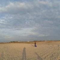 Repeat main sandboarding di pantai Klebang