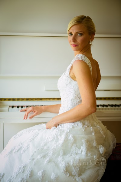 porocni-fotograf-destination-wedding-photographer- bride-groom-slovenija-ljubljana-zenin-nevesta-poroka-fotografiranje-poroke-bled-slovenia- hochzeitsreportage, hochzeitsfotograf,hochzei (17).jpg