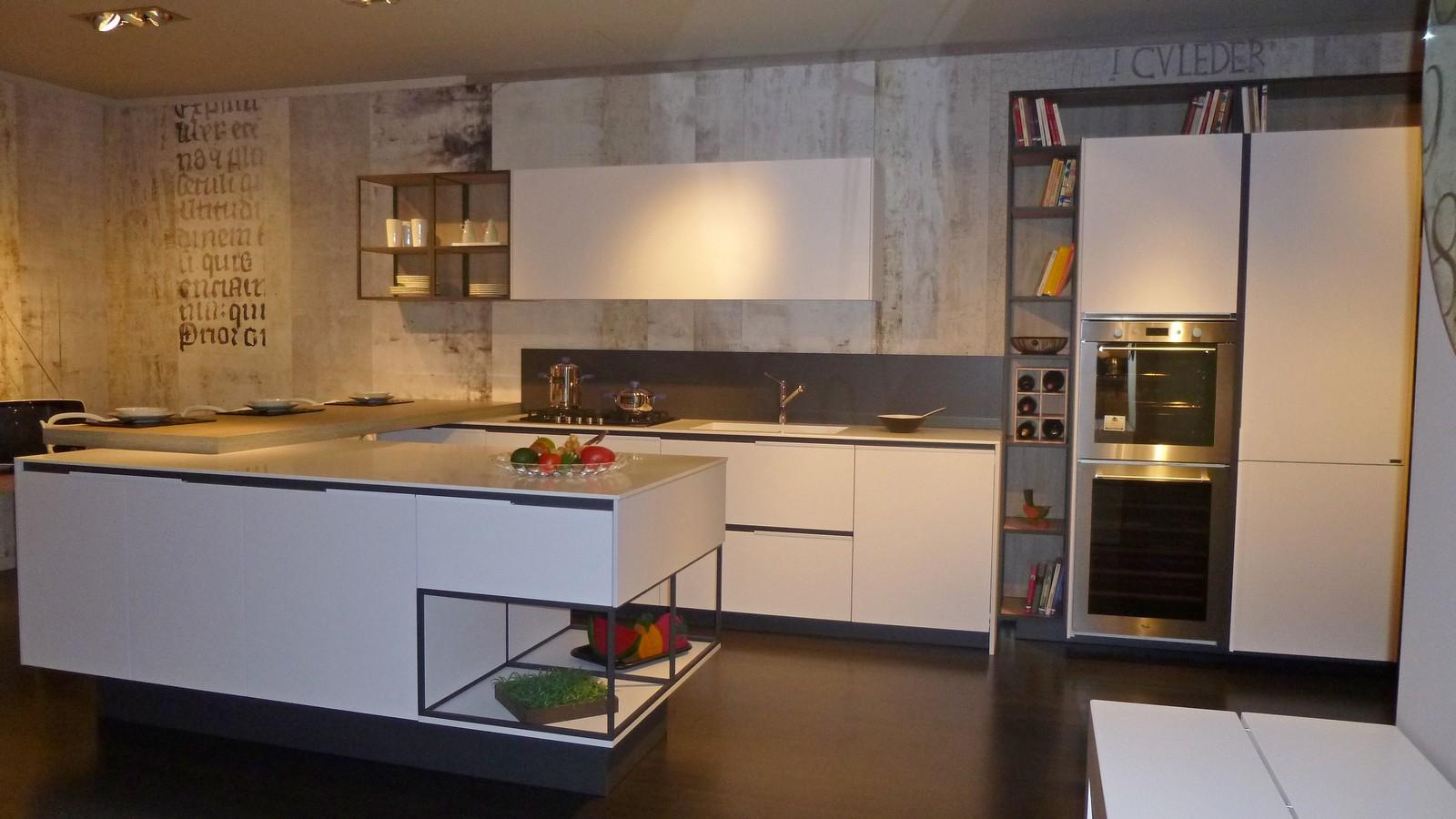 Arredamento Cucina Moderna Con Isola   Arredamento Cucina Moderna ...