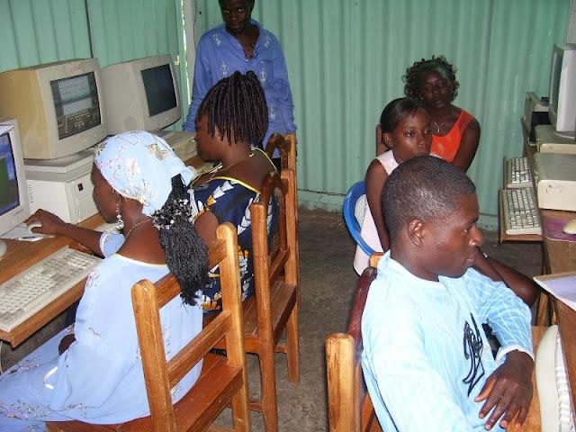 IT Training at HINT - nov19%2B023.JPG