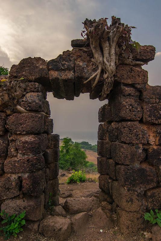 Chapora fort goa gate photos