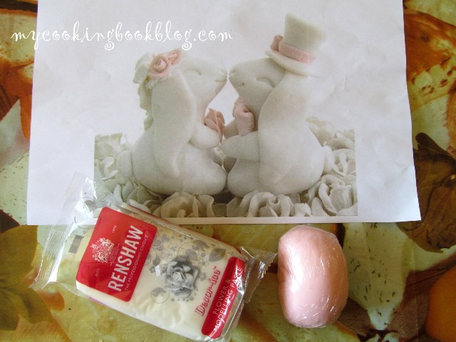 Зайчета от захарно тесто за сватбена торта