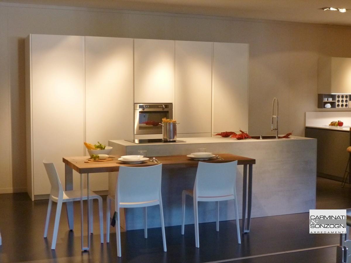 Cucina Moderna Con Tavolo Snack | Cucina Con Piano Snack