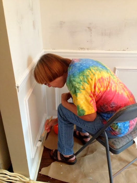 painting picture molding