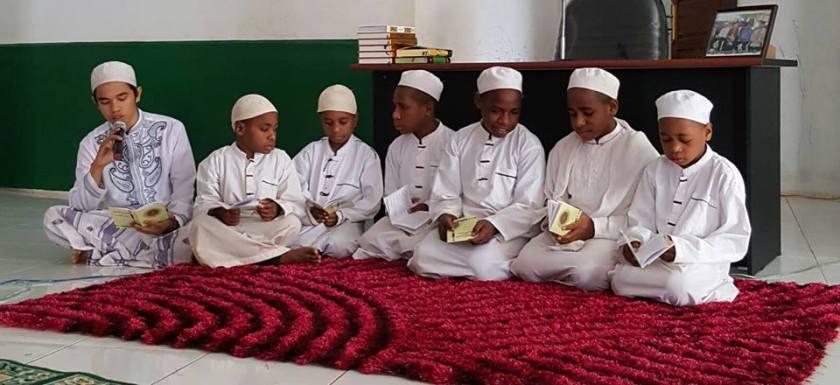 Santri Anak-Anak Muslim Papua