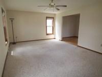Utuy Design: empty living room space