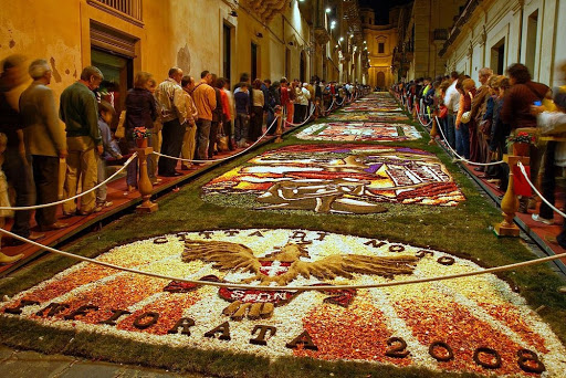 Flower Carpets At Infiorata Festival Italy Amusing Planet