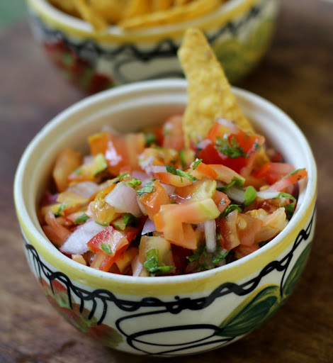 how to cut tomatoes for pico de gallo