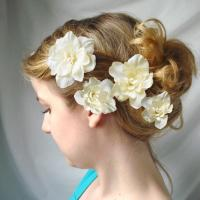 Wilmide's blog: ivory flower hair clips - CUPIDS KISSES ...