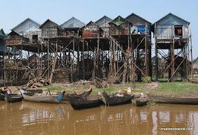 Komphong Phluk, Floating Village in dry season