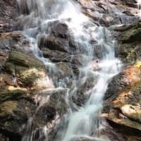 Menyejuk badan di air terjun sungai Kroh FRIM Kepong