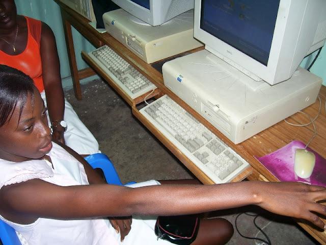 IT Training at HINT - nov19%2B021.JPG