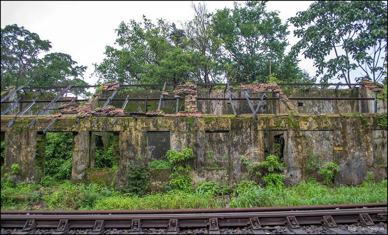 Abandoned building near Castlerock station - Doodhsagar Trek