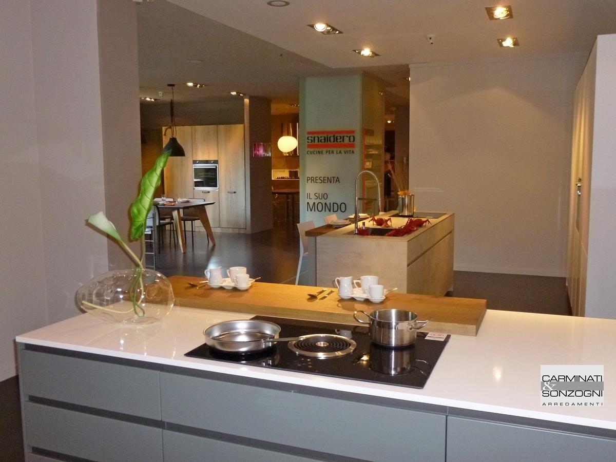 Cucine Moderne Con Cappa Ad Angolo | Cucine Mobilturi Produzione ...