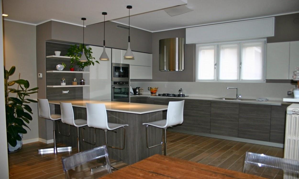 Cucina Bianca Con Frigo A Vista | Progetto 3d Life Cucine Opinioni ...