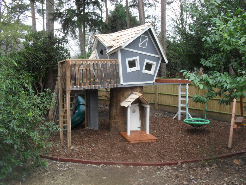Kinderspielplatz Kaufen Crooked Treehouse Superior Play - Enchanted Creations