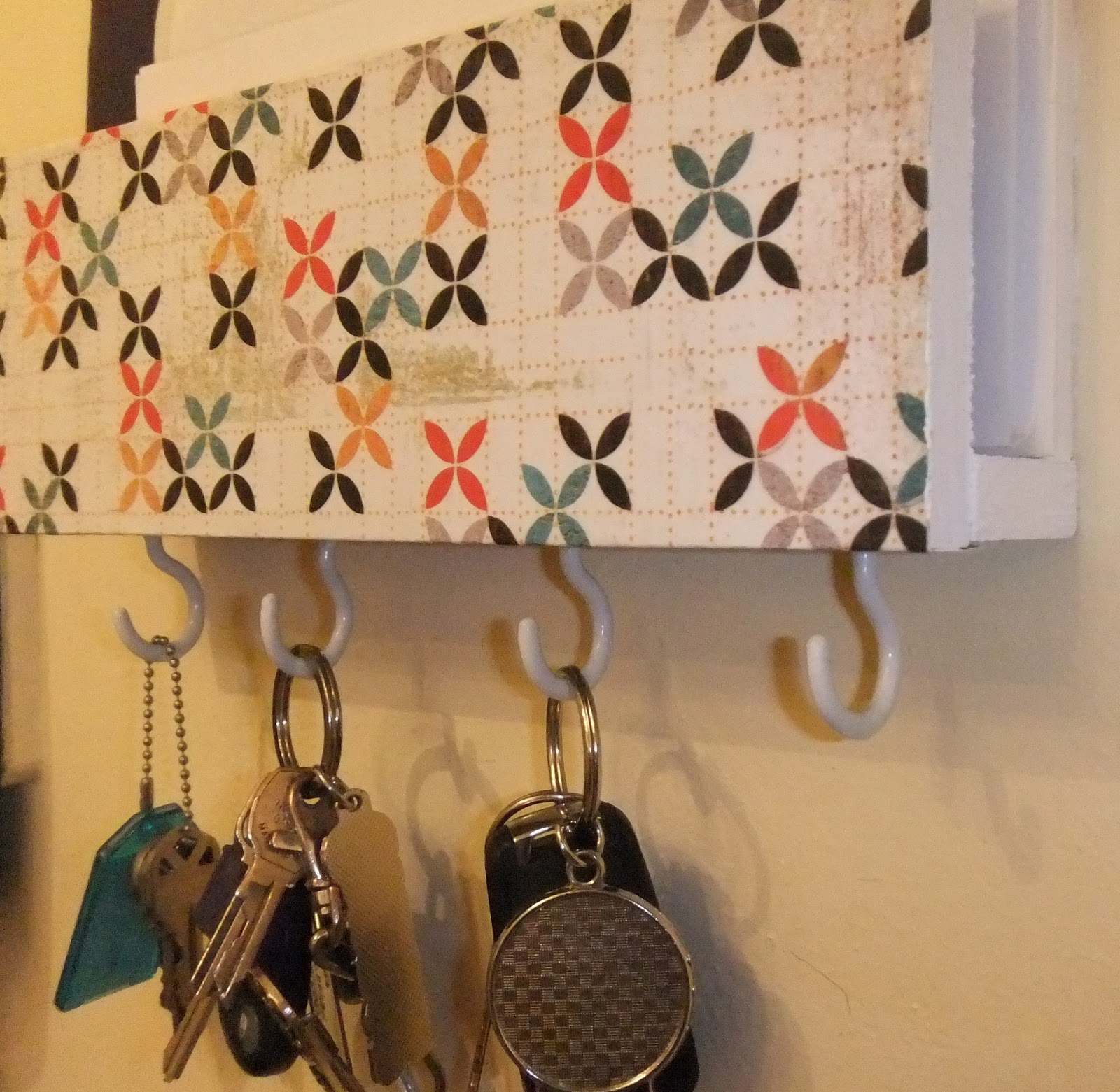 Hanging Mail And Key Organizer Mail And Key Holder Happy Go Lucky