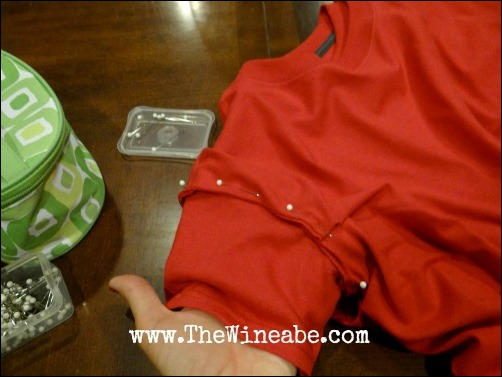pin sleeves together tomato costume