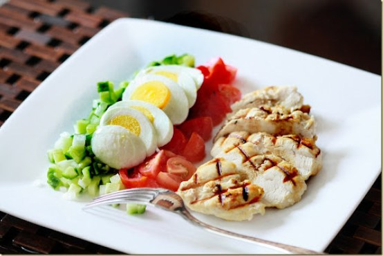 Vegetable Salad and Grilled Chicken