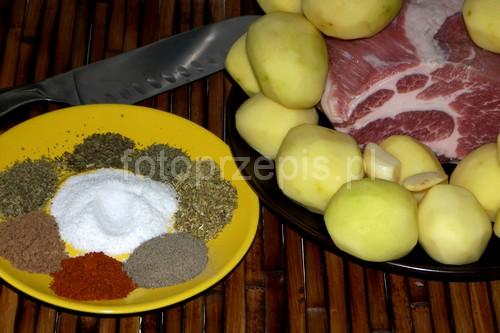 Karkówka po chłopsku pieczona z ziemniakami ziemniak wieprzowina polska pieczone obiad latwe danie glowne codzienne  przepis foto