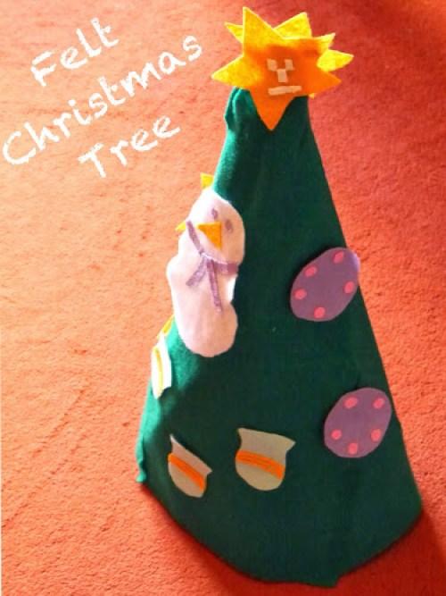 Vánoční stromeček z feltu pro děti na hraní