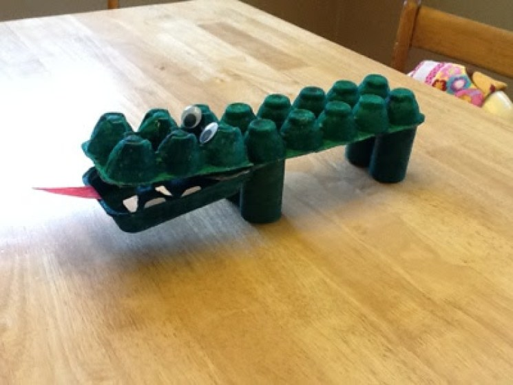 Egg Carton Alligator Craft for Toddlers/Preschoolers