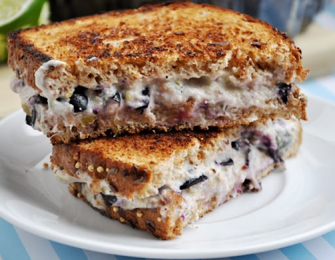 blueberry cream cheese sandwich 008