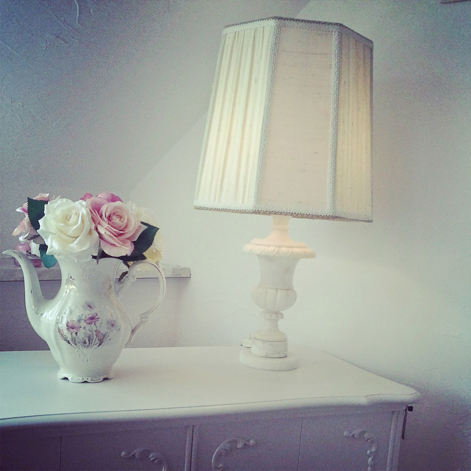 Lampe Schlafzimmer Shabby Shabby Chic Liebhaber Florentiner Kommode And Lampe