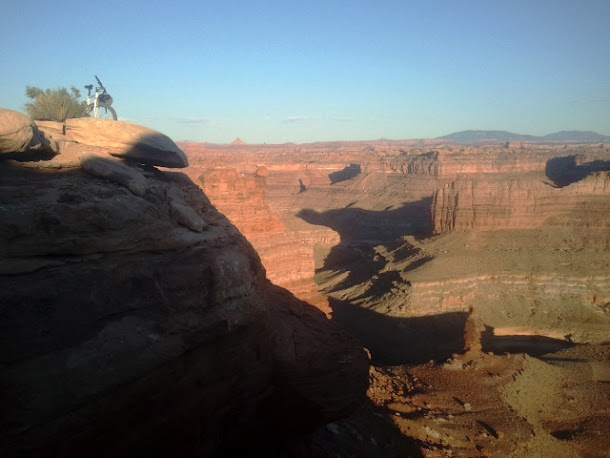 Mountain Biking to Colorado River Overlook in Canyonlands National Park - Needles Section.06_edited.JPG
