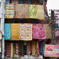 multi-storied shop in Delhi - Canon T2i
