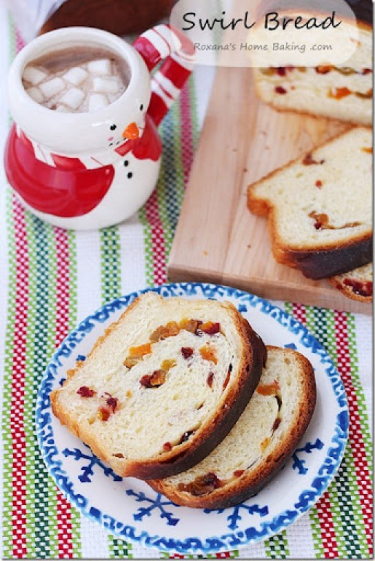 Dried_Fruit_Swirl_Bread_Recipe_Roxanashomebaking_4