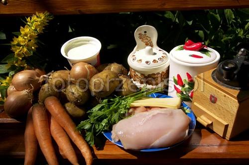 Zapiekanka z ziemniakami i kurczakiem ziemniak polska pieczone obiad kurczak i drob europejska danie glowne  przepis foto