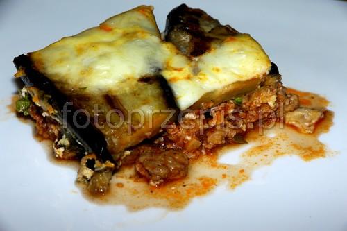 Grecka Musaka (Moussaka) wykwintne wieprzowina srednie pieczone obiad europejska danie glowne  przepis foto