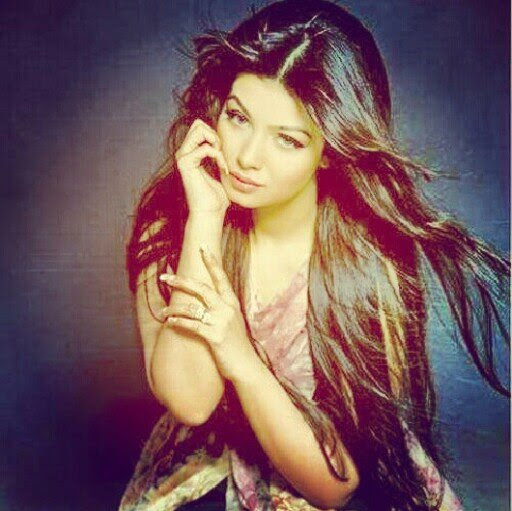 Ayesha Omar Wallpaper: 50 Best Ayesha Takia Wallpapers And Pics