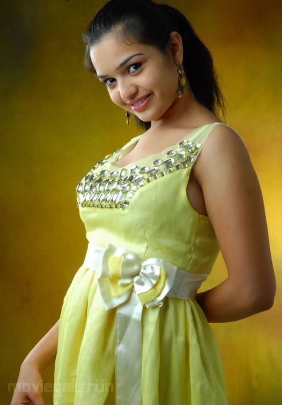 Kajal Agarwal Cute Wallpapers Actress Yamini Photoshoot Stills Yamini New Hot Images
