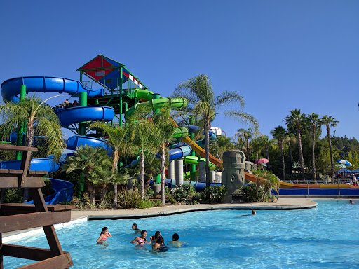 Water Park «Six Flags Hurricane Harbor - Los Angeles», reviews and