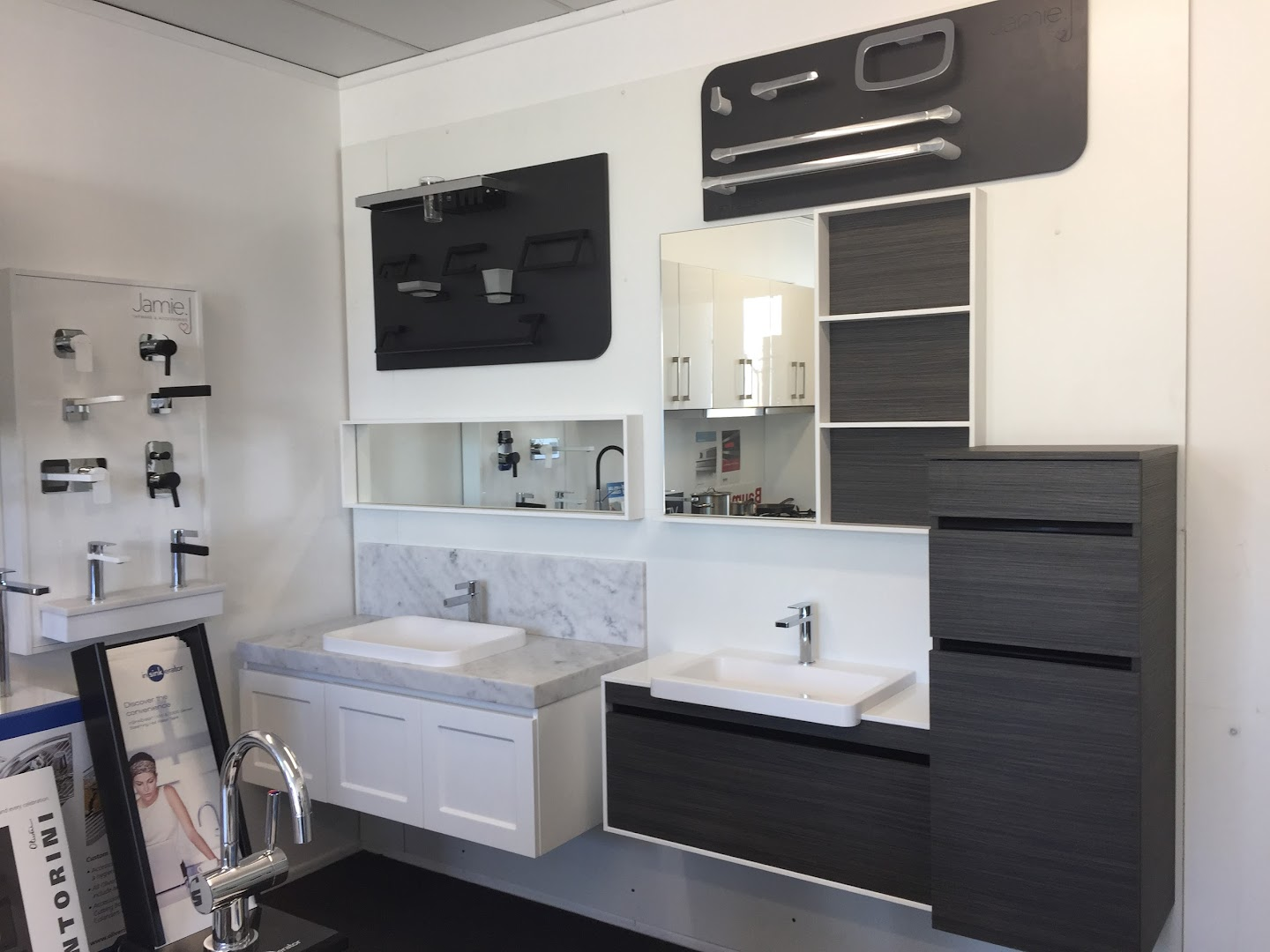 Kitchen Shop Bundall Bathroom And Kitchen Centre Gold Coast Bathroom Supply Store In