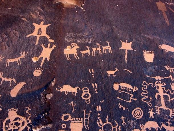 Newspaper Rock Petroglyphs Detail-2.JPG