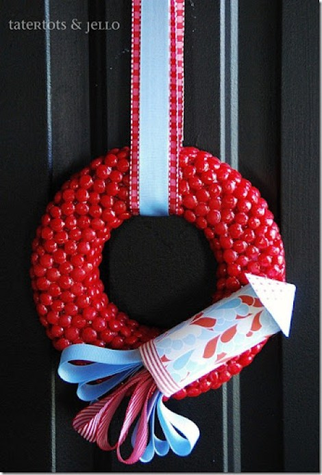 red hot and blue fourth of july wreath straight on