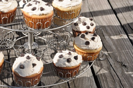 cookie dough cupcake 193