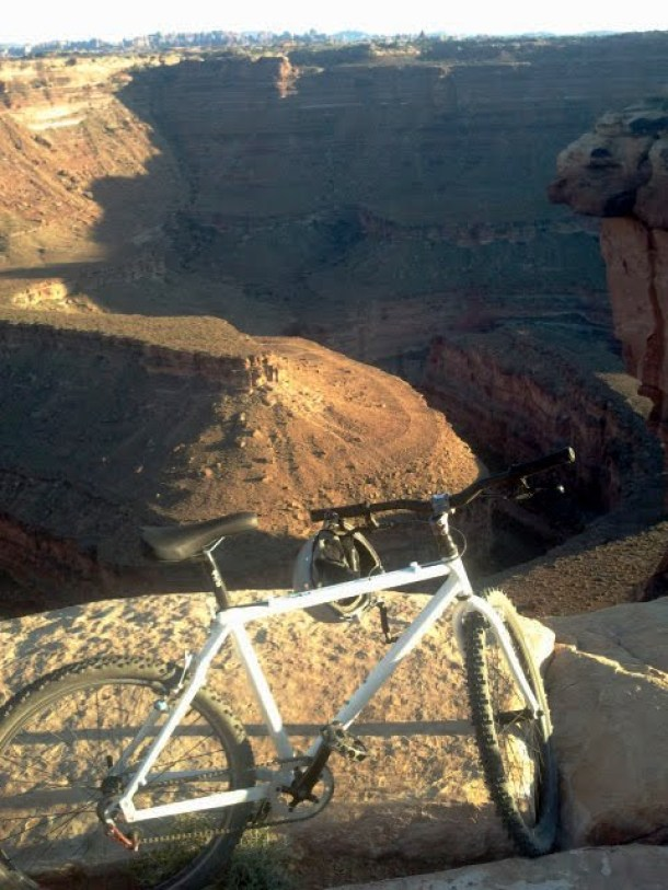 Mountain Biking to Colorado River Overlook in Canyonlands National Park - Needles Section.52_edited.JPG