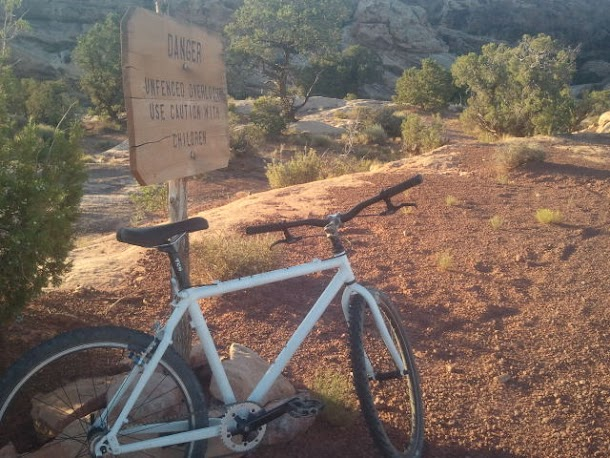 Mountain Biking to Colorado River Overlook in Canyonlands National Park - Needles Section.52.jpg