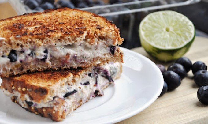 blueberry cream cheese sandwich 041