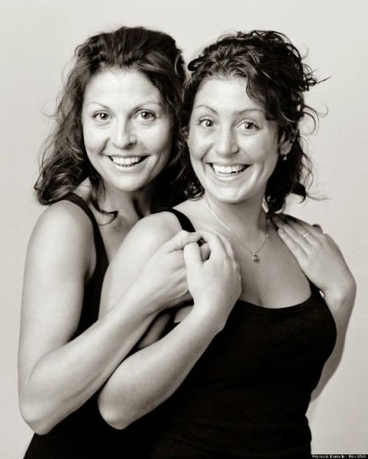 http://i0.wp.com/lh6.ggpht.com/-r03lKMwgH4o/Uzx8D5D6PgI/AAAAAAAAwf0/FGFRQST1nTQ/s1600/strangers-look-like-twins-8.jpeg?resize=526%2C657