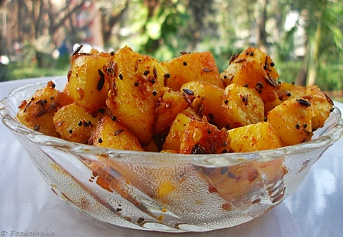 stir fried potatoes (urulai kizhangu roast)