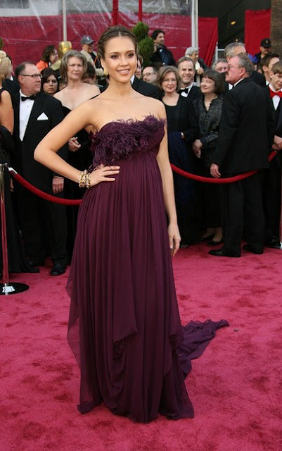 Jessica Alba in a plum Marchesa gown