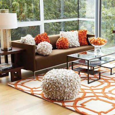 Oranye Kursi Dan Karpet