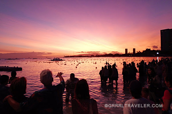 lantern floating ceremony hawaii, toro nagashi festival, festivals in hawaii, memorial day festival in hawaii, lantern ceremony